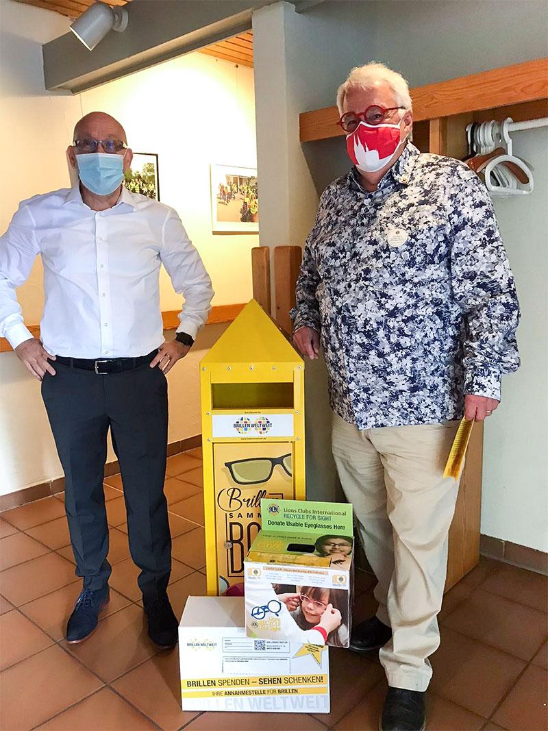 """Spendenboxen und die """"Drei Guten Taten"""" von BrillenWeltweit"""
